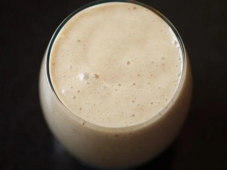 making vegan banana smoothie recipe