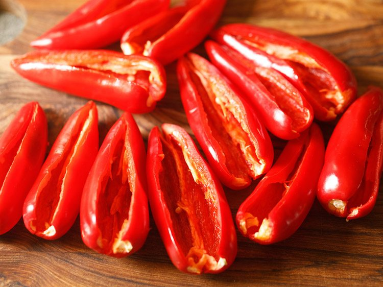 making red chilli pickle recipe