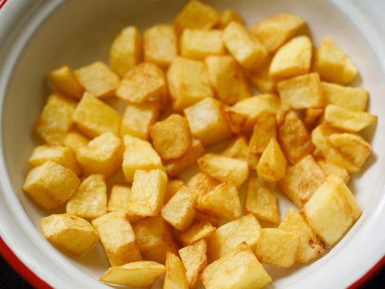 potatoes to make aloo chaat recipe