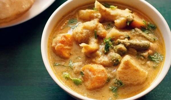 Veg Kurma Recipe   Vegetable Korma (Stovetop and Instant Pot)