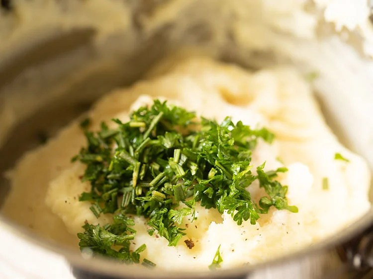 finely chopped fresh herbs add to the mashed potatoes
