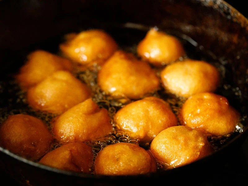 golden fried vada