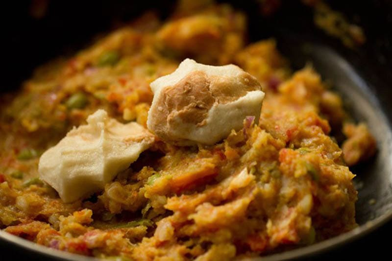 bread pulp on mashed vegetable mixture