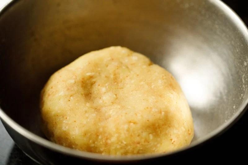 mix potato and spices