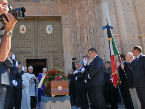 arrivo del feretro di Costantino Spike Fadda in Duomo