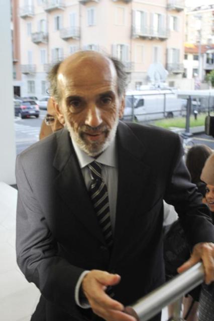 """Domenico Quirico accolto dai colleghi alla sede de """"La Stampa"""" di Torino"""