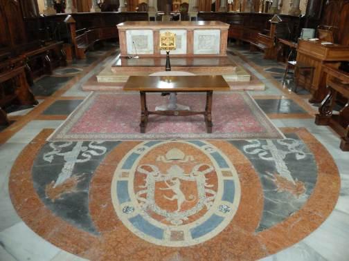 altare-tornacoro-duomo-verona-stemma-canossa.1200