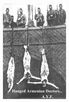 Armeni-Appesi-e-Soldati-Turchi-1915