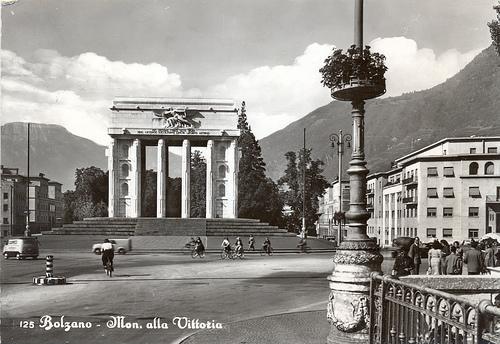Bolzano - monumento alla vittoria - 1960