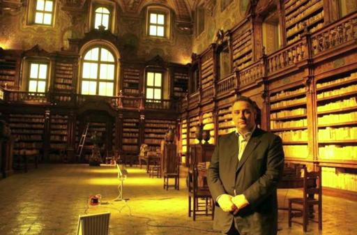 decaro-biblioteca-girolamini