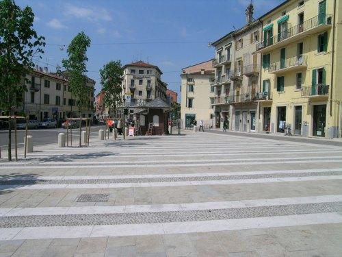 veronetta-piazza-santa-toscana-2008.1200