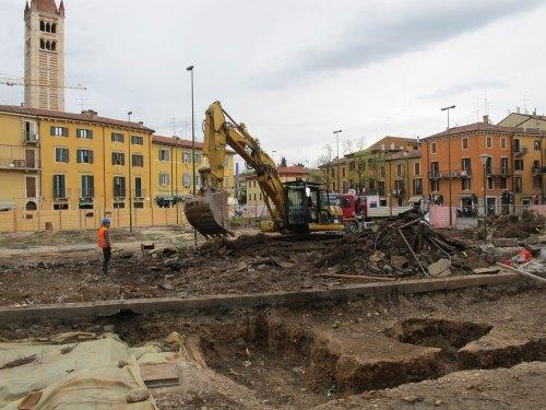 piazza-corrubio-scavi-parcheggio-1000