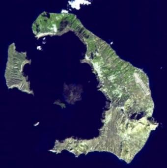 santorini-dal-satellite