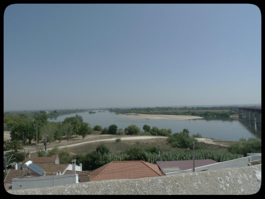 Quase na ponte sobre o rio Tejo.