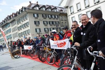 Auf dem roten Teppich: Bei der Lancierung der Velo-Initiative.