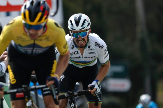 Julian Alaphilippe says 'weight of rainbow jersey' dragged him down in 2021