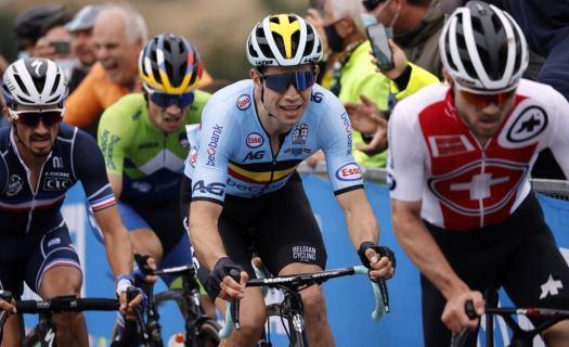 Wout van Aert double world champion? It could happen.