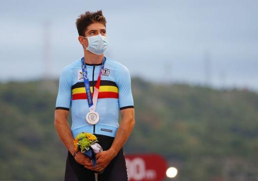 Wout van Aert, Lotte Kopecky headline Belgian worlds team; Mathieu Van der Poel back in saddle