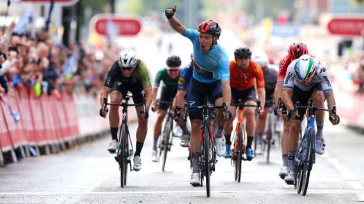 Tour of Britain stage 5: Ethan Hayter outsprints Giacomo Nizzolo, retakes race lead