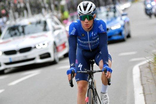 VN news ticker: Caleb Ewan sprints to stage 5 win as Remco Evenepoel pulls out of Benelux Tour, Ineos Grenadiers sign British talent Ben Tulett