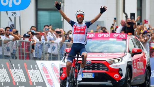 VN news ticker: Dan Bingham bests British hour record, Vincenzo Nibali solos final stage, wins overall at Giro di Sicilia