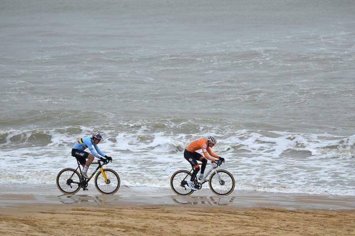 https www velonews com news cyclocross cyclocross world championships mathieu van der poel takes fourth rainbow jersey