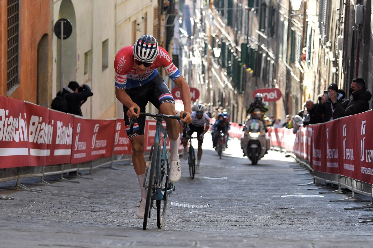 https www velonews com training mathieu van der poel won strade bianche with a 1000 watt attack