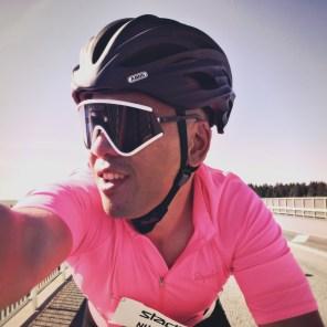 Selbstportrait eines werbeschaffenden Rennradfahrers