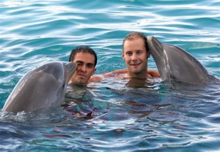Bert looks none too happy with the attentions of the dolphin! Tom doesn't appear to mind though.