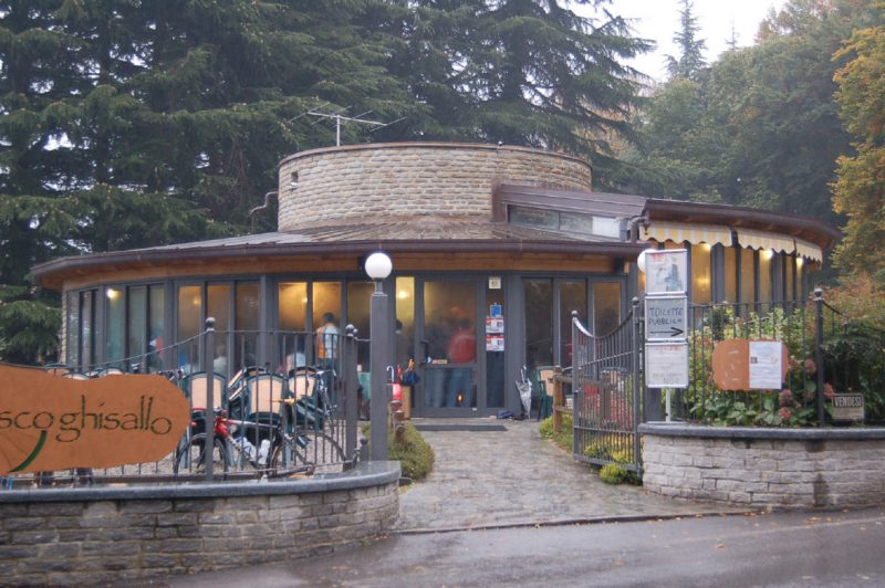 The warm and cosy Ghisallo cafe.