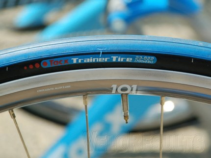 Colour-matched turbo tyres are the order of the day.