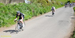 Lap 3: James attacks again with David Griffiths (Glasgow Wh) after him.