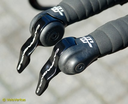 Dirk turns the gear levers upside-down to beat the UCI testers length rules.
