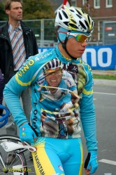 What counts for cool amongst the Khazak U23 riders. Vino 4 Ever.
