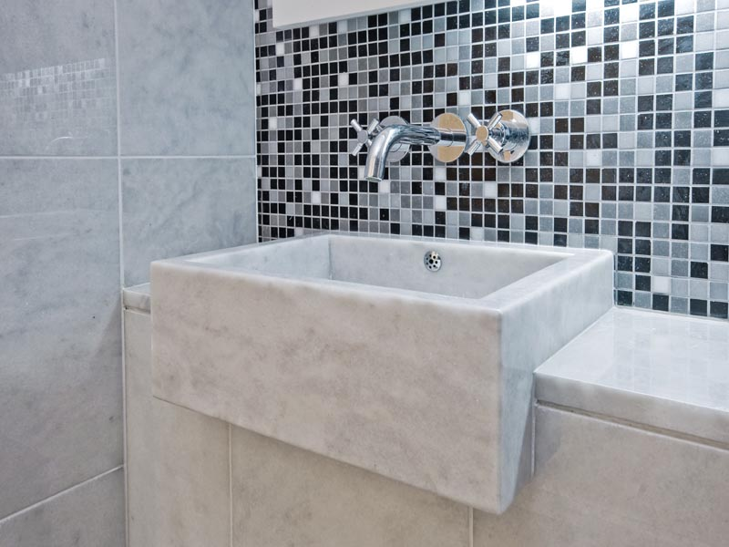 mix colur mosaic used on the bathroom wall