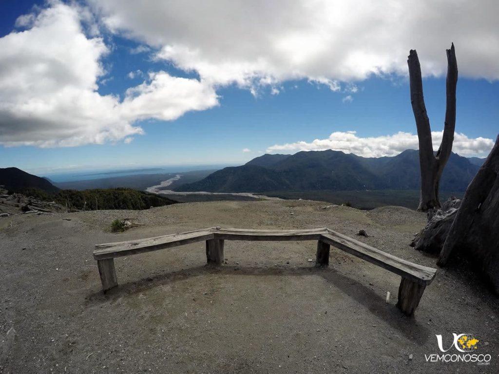 O rio Rayas segue até o Pacífico, visto da cratera do vulcão