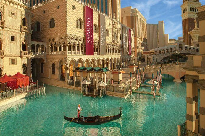 The Venetian 174 Las Vegas Gondola Rides Las Vegas Attractions Things To Do In Las Vegas