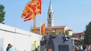 il tankoè stato comperato all'asta giudiziaria e ora è ritornato patrimonio dei Veneti