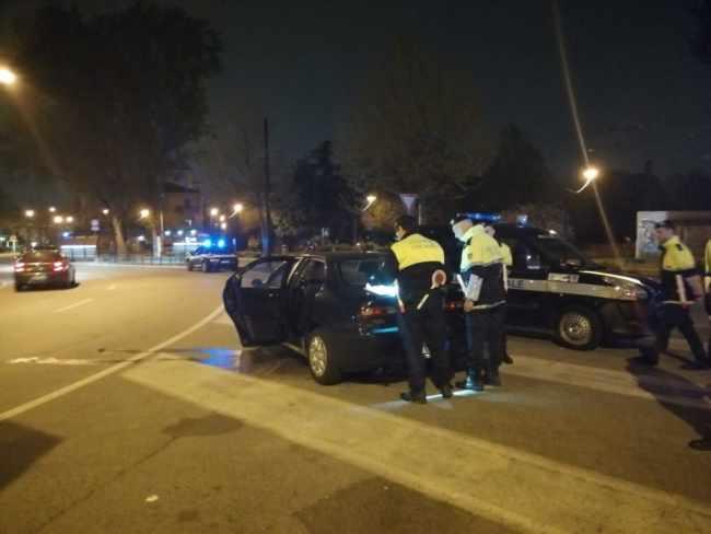 Polizia locale: arresto per rapina impropria a Piazzale Roma, esibizionista colto in flagranza, posti di controllo serali/notturni