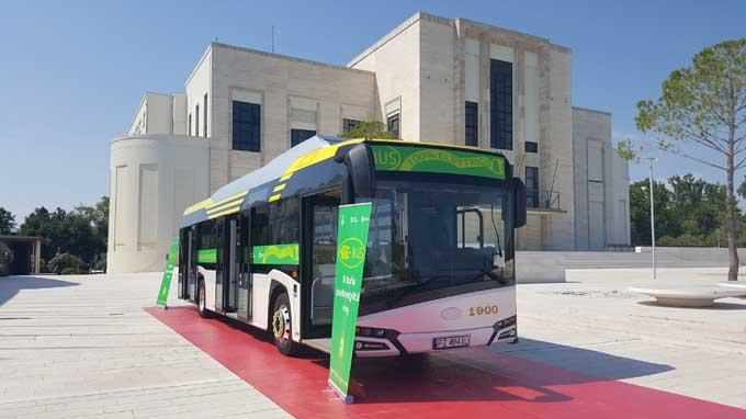Presentato il primo bus elettrico Actv: fase di test al via