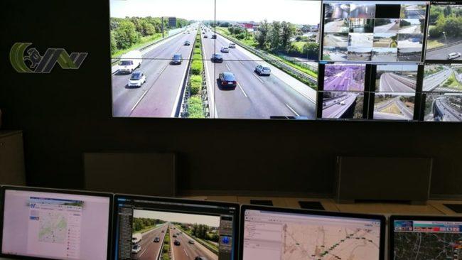 Esodo, traffico intenso e code per incidente in A4