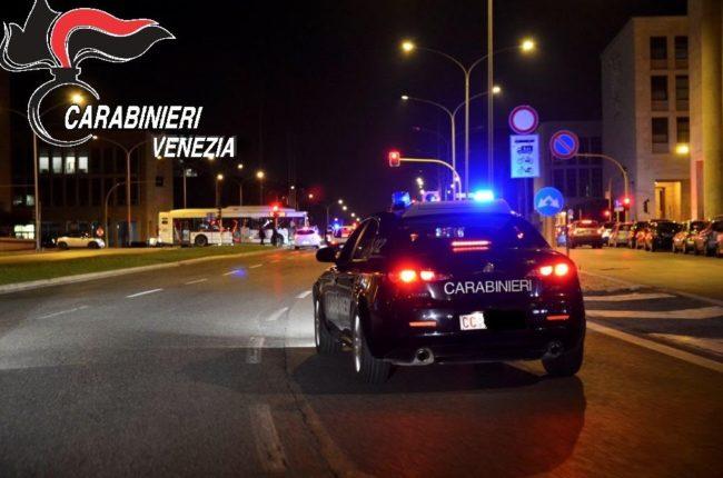 Sfuggono al controllo dei Carabinieri inseguiti e bloccati, Spinea