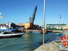Pontone galleggiante: certificati scaduti, scatta il sequestro