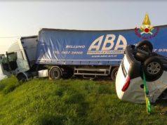 Incidente mortale a Chioggia: doblò contro camion - TeleVenezia
