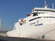Impiegata imprigionata nove ore nel traghetto per un guasto