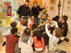 polizia porta doni a Casa Nazareth