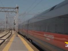 Coronavirus: tagliato l'85% dei treni. Verso lo stop dei trasporti pubblici