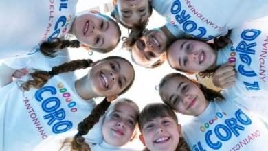 """Photo of I bimbi de Lo Zecchino d'Oro cantano """"Andrà tutto bene"""""""