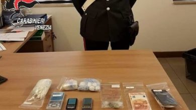 Photo of Pusher e cliente in giro in auto: arrestato 19enne a Spinea
