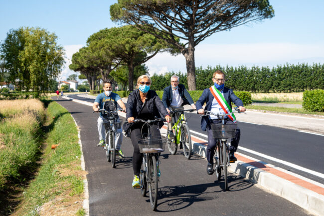 Jesolo, aperta la pista ciclabile lungo Via Martin Luther King